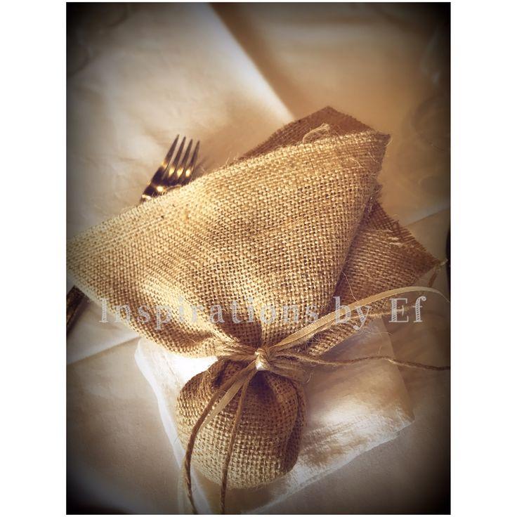 Vintage στολισμός γάμου..λινάτσα, δαντέλα, βελονάκι, πέρλες...ιβουάρ...vintage αντικείμενα... Vintage Wedding Decorations...decoration details...Wooden details...Κορμοί... Μπομπονιέρα γάμου...