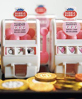 Love these @doublebubble slot machines for Las Vegas #wedding favors!