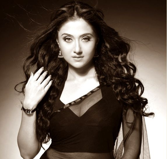 cleopatra as wonder woman | DETECTIVE BYOMKESH BAKSHY Actress Swastika Mukherjee ...