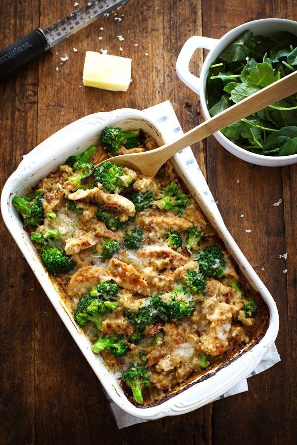 Creamy Chicken quinua y Brócoli Cazuela - 350 calorías de acogedora comida de comodidad.  | Pinchofyum.com