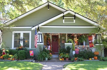 112 best images about bungalow on pinterest spanish for Craftsman style homes dfw