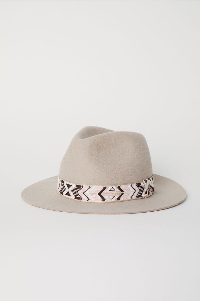 f7345bbd0e0259 Chapeau en laine feutrée   clothing wishlist   Hats, Wool felt, Cowboy hats