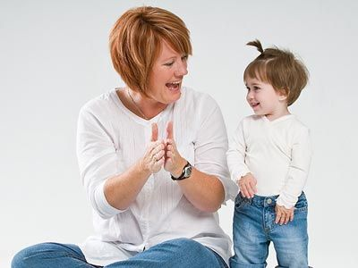 El desarrollo emocional es de vital importancia en el desarrollo de los niños y niñas, ya que sólo de esta forma podrán llegar a enfrentar satisfactoriamente los retos que surjan en su vida como ad...