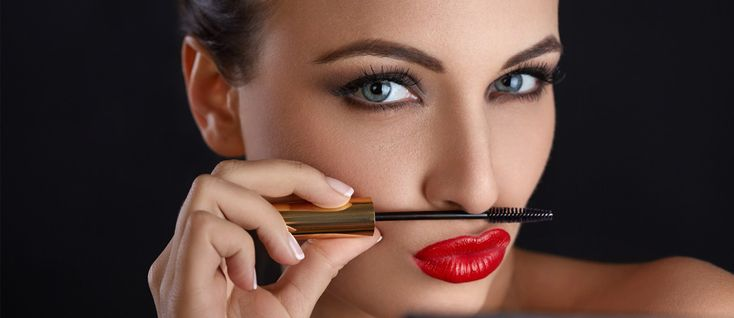 Are you searching for makeup tips that will help you to look perfect in all photos? We have 15 easy tips for you to look adorable. Check them out!