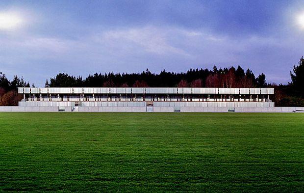 Campo de fútbol en Coirós | Sabin-Blanco | Coiros (2004)