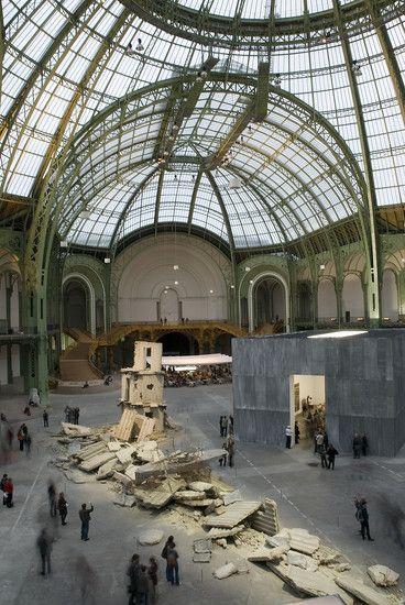 Monumenta 2007, Anselm Kiefer. Verenglückle Hoffnung.  / l'artiste rend hommage aux poètes  Paul Celan et Ingeborg Bachmann, mais aussi à Céline.
