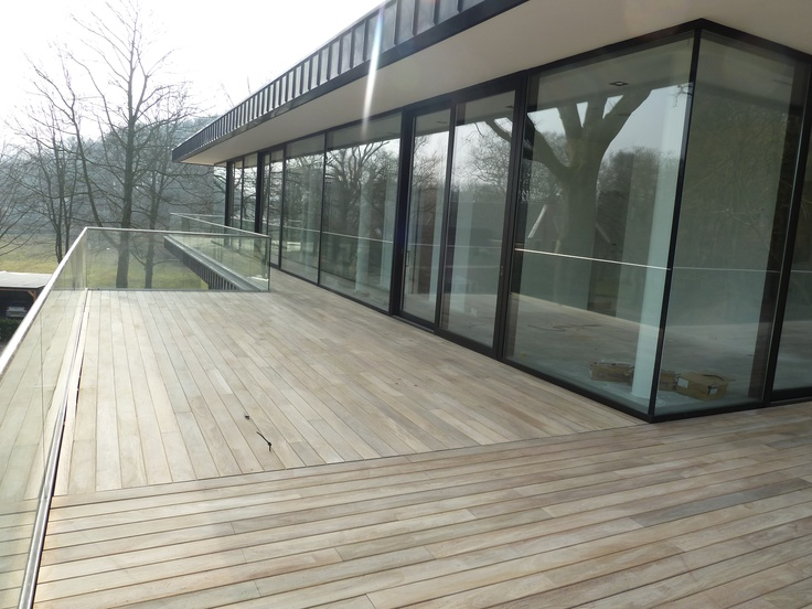 Penthouses tes and doors on pinterest - Zwembad terras hout photo ...