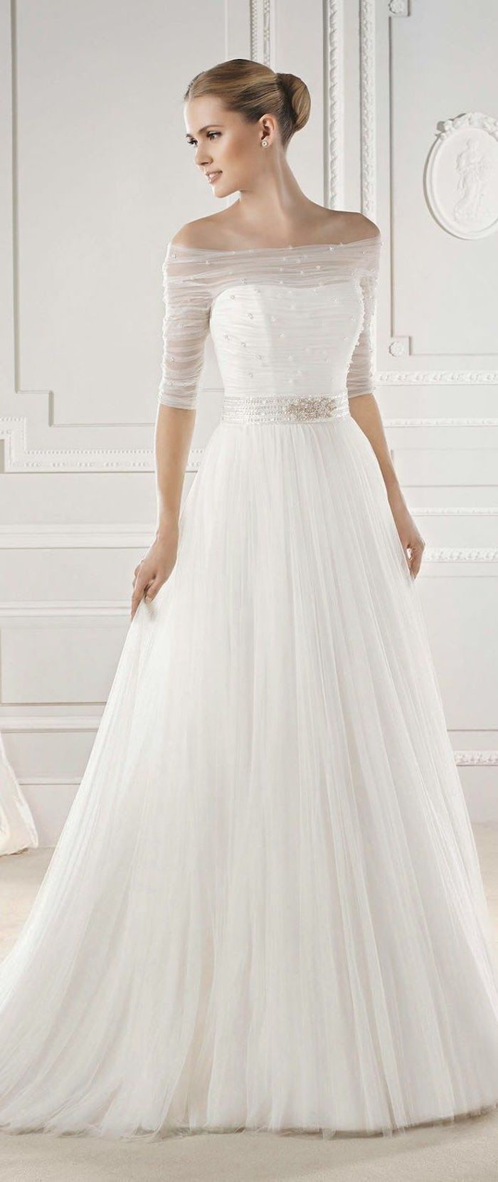 Best 25 simple wedding gowns ideas on pinterest simple for Wedding dress 30s style
