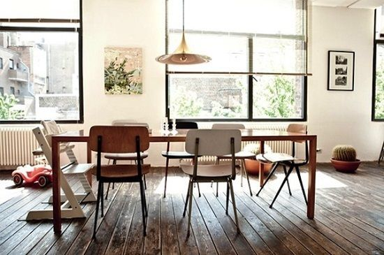 Wood Furniture Dominates This Modern Dining Room