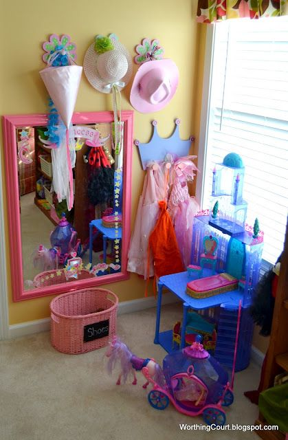 Love the mirror that is in the dress up play area corner. Going to find a cheap mirror to add to my little girls space.