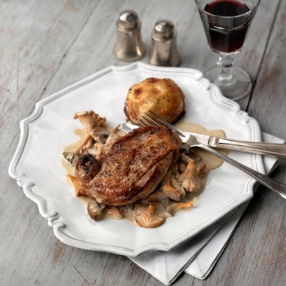 Breast of pheasant in a girolle and cream sauce with onion tarte tatin