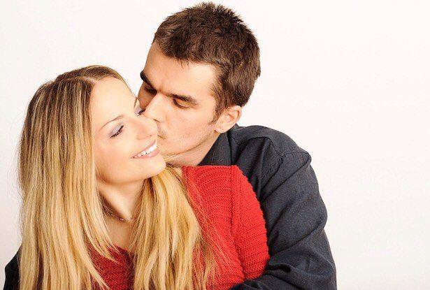 Nu există bărbat bun sau rău. Nu există nici unul drăguț frumos diabolic. Există doar două tipuri de bărbați nu mai mult: Soțul tău și bărbatul care nu este al tău.  A.P. Cehov  #LUNAALA .
