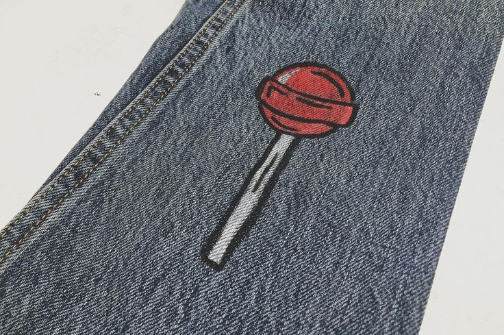 I'm off to Highpoint Shopping Centre in Maribyrnong Melbourne for another @levis customisation event. Come down and say hey! Here's a 5 minute lollipop from last week.  www.scrtwndw.com   #illustration #ink #paint #posca #customisation #fashion #levis #liveinlevis @levis_anz @levis_uk @levis_ar @levis.vintage.clothing @levis_uk