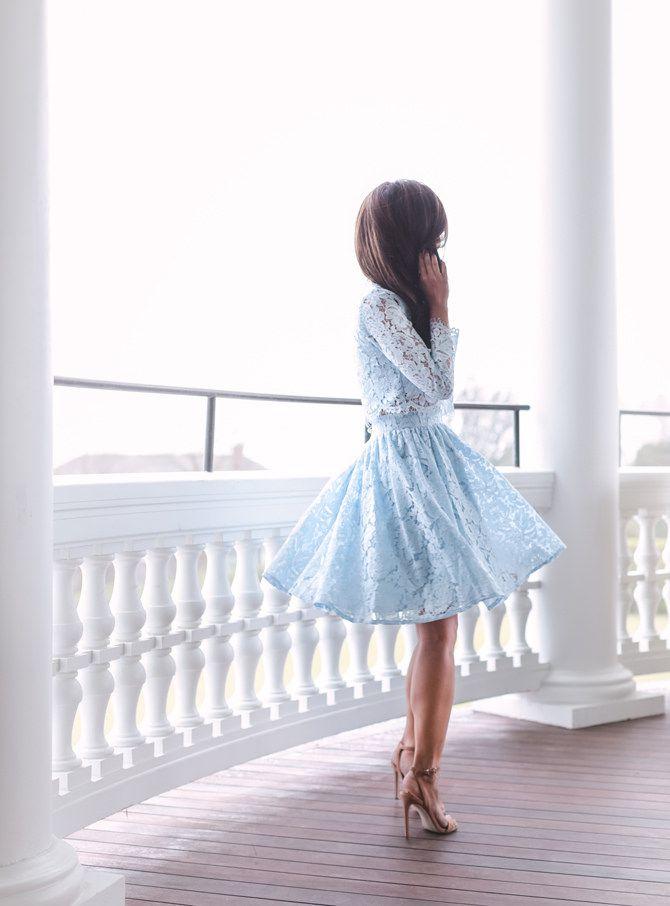 Summer wedding guest outfit inspo: blue lace skirt dress