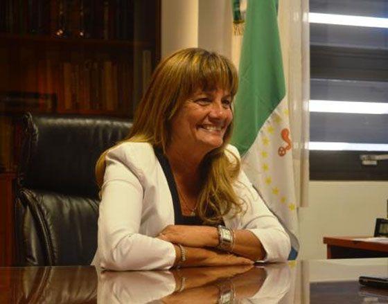 """Iride Isabel Grillo asume como presidenta del Superior Tribunal de Justicia chaqueño 2016-2017, durante un acto realizado en el auditorio del máximo tribunal provincial. Convoca a """"fortalecer la legitimidad"""" y se basa en presupuestos como la Verdad, Justicia y Paz social."""