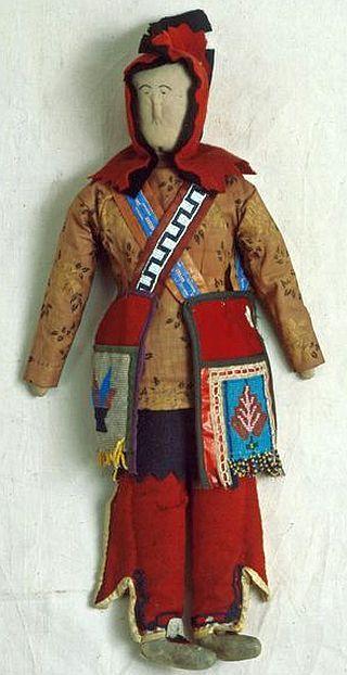 Ojibwe male cloth costume doll - Created no later than 1898.