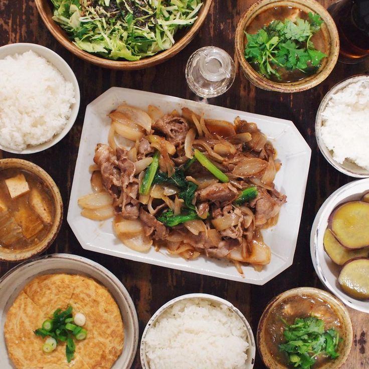 03.25 豚肉と玉ねぎの炒めもの、サラダ、甘い玉子焼き、さつまいもの甘煮、ピリ辛春雨スープ、ごはん  #おうちごはん #晩ごはん #rocoごはん  #lin_stagrammer #deristagrammer #デリスタグラマー