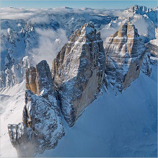 Die berühmten drei Zinnen stehen in den italienischen Dolomiten und sind knapp 3000 Meter hoch (Foto von: Bernhard Edmaier)