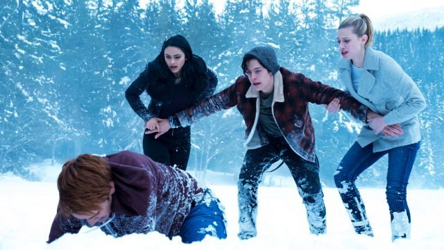 Riverdale Finale Photos: The Sweet Hereafter  AHHH Juggy's protecting the girls