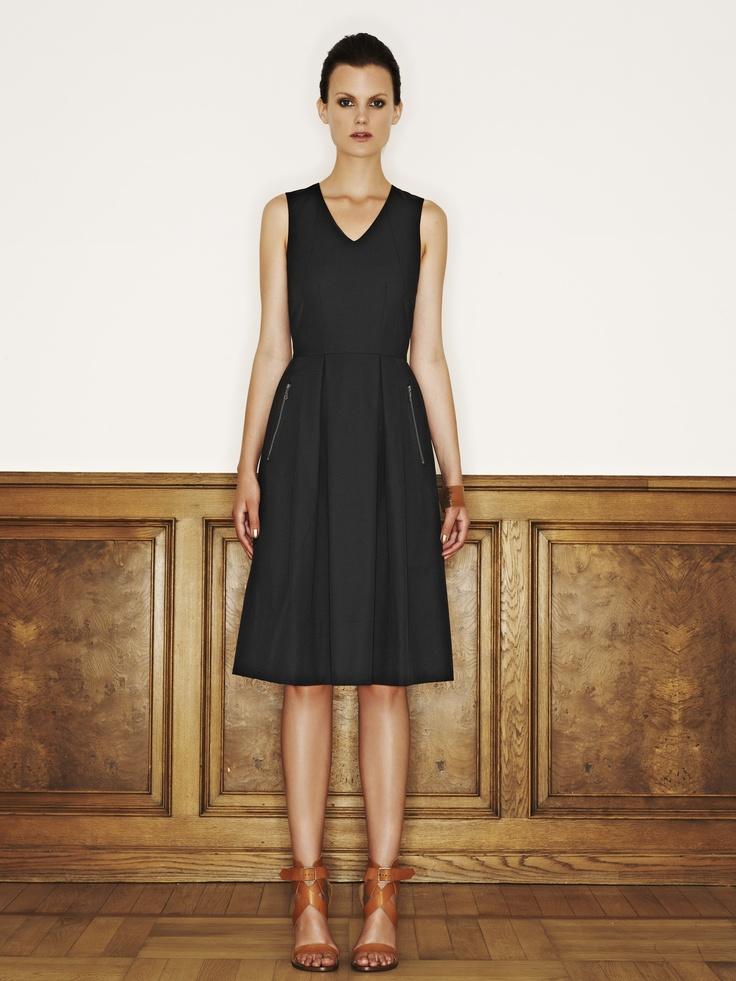 Rützou cotton rayon linen dress with zipper pockets in black