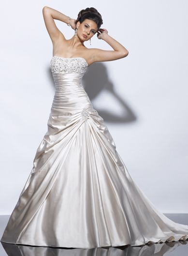 Fancy strapless sleeveless satin wedding dress