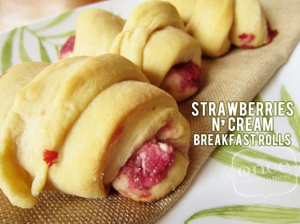 Strawberries N' Cream Breakfast Rolls - YUM! Freezer meals, oamc, breakfast