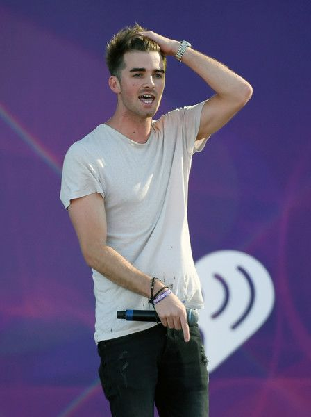 Andrew Taggart Photos Photos - DJ Andrew Taggart of The Chainsmokers performs during the 2016 Daytime Village at the iHeartRadio Music Festival at the Las Vegas Village on September 24, 2016 in Las Vegas, Nevada. - 2016 Daytime Village at the iHeartRadio Music Festival on September 24, 2016