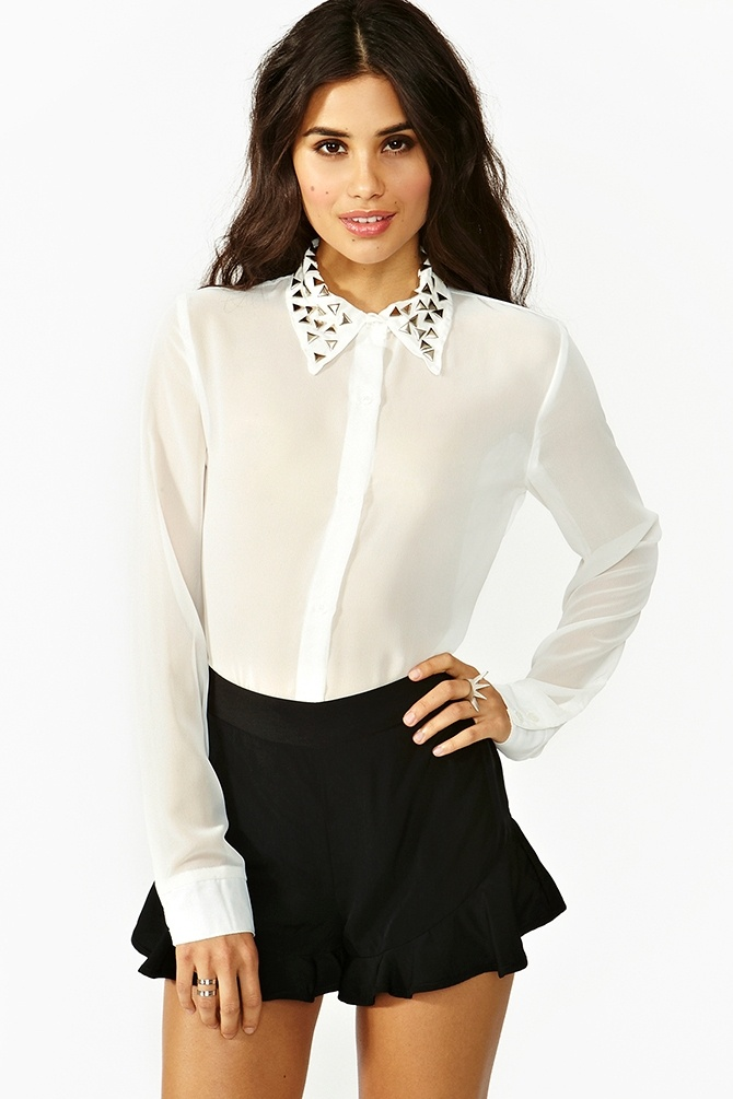 Triangle Studded Blouse in WhiteStuds Collars, Chiffon Blouses, Blouses Features, Amazing White, Triangles Studs, Fashion 3 3, Style Inspiration, Studs Blouses, Style Design Fashion