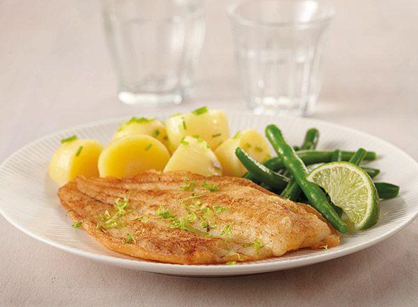 Recept: gebakken schol met knoflookmayonaise, krieltjes en boontjes. Met Queens Scholfilet. Voor 2 personen, klaar binnen 20 minuten.