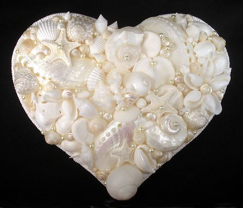 Seashell art shell mosaic 7 heart white shells for Seashell mosaic art