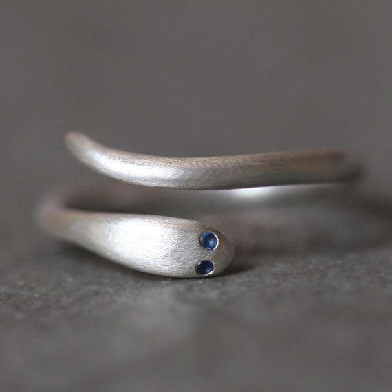 snake ring w/ sapphire eyes