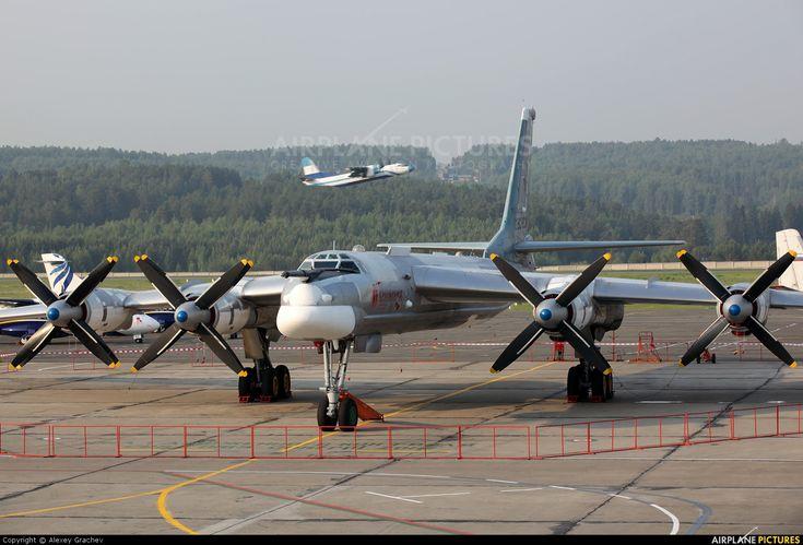 Tupolev Tu-95MS RF-94123