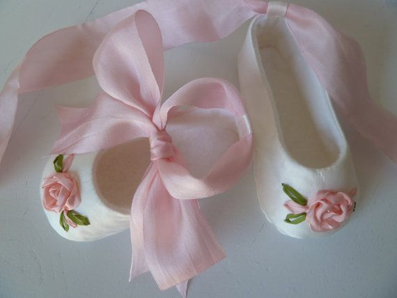 Baby Girl Shoes . Silk Christening Shoes . Infant by JibJabbers
