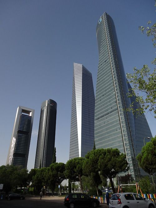 madridus cuatro torres business area from l to r torre caja madrid torre