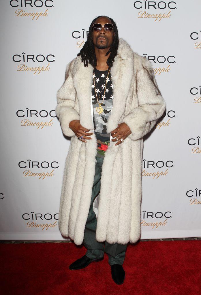 Auch Männer wie Snoop Dogg tragen einen echten Pelz