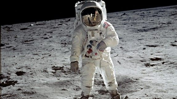 Trump wants NASA astronauts back on the moon but it wont happen while hes in office