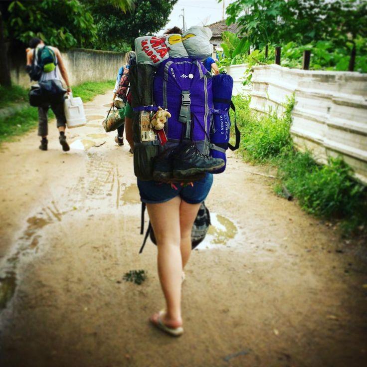 Me deixe livre para viver da forma que gosto, prefiro o peso da minha mochila nas costas do que o peso na consciência de não ter vivido meus sonhos! Se der errado foi pq tentei e não pq desisti! . . .  #mochileiros #mochileirosgrupofechado #mochileira #viajantes #viajar #viagem #trilheirasdobrasil #trilha #trilheiros #trekking #camping #minhavida #meumundo #meulugar #travel #travelers #travels #travelphotography #iamtb #soutrilheira #instagram #instaphoto #instatravel #photography…