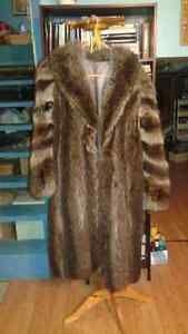 manteau fourrure chat sauvage et mouton rasé