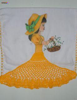 Olá menina! Mais uma boneca nova, pano de copa pintado á mão com saia em crochê, usei linha Liza grossa da Circulo. Espero que gostem, go...