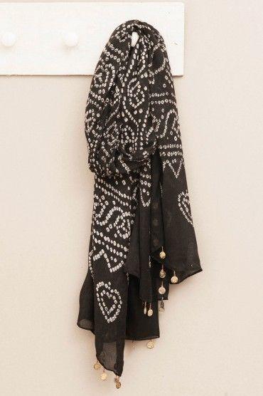 Pañuelo negro con blanco