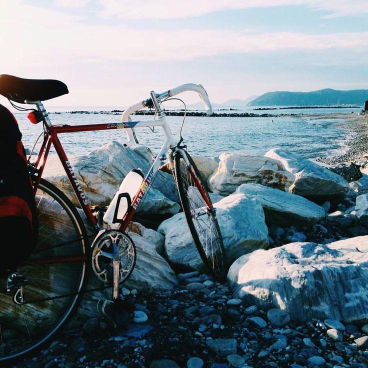 """Gefällt 57 Mal, 5 Kommentare - @berlinlisbonexpress auf Instagram: """"Let's talk about this picture. It was taken inGenova, Italy. This was myveryfirst bike tour:…"""""""