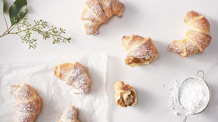 Vyskúšajte klasiku – orechové rožky z kysnutého cesta podľa receptu Adriany Polákovej.