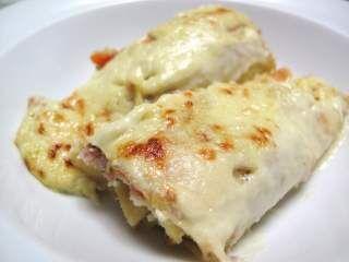 Cannelloni di crepes alle verdure e pollo con vellutata di porri