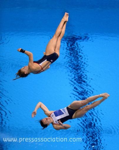 Great Britain's Rebecca Gallantree (bottom) and Alicia Blagg via http://newsmix.me