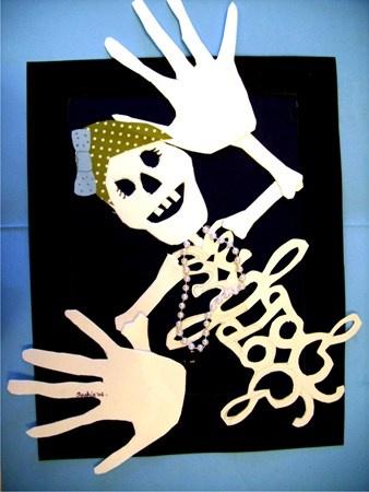 symmetrical name becomes the skeleton body. Cool Halloweenish Mini-lesson. Y para Dia de Los metros!