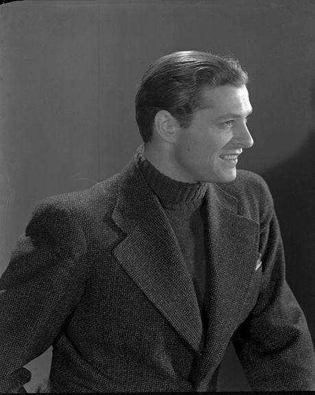som Mekanikeren Poul, i Passerbasse fra 1936.