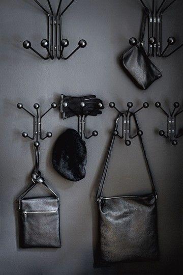 Bill XS, wall hanger