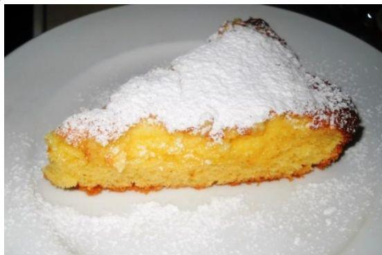 Τέλειο αφράτο κεκάκι βουτύρου με άρωμα λεμόνι και κρεμώδη γέμιση με τυρί κρέμα