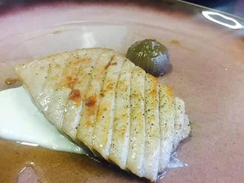 Serra ventresca di tonno cipolla agrodolce crema di patate