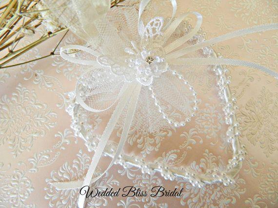 Wedding Bridal charm- Open Beaded Pearl Trim Heart - Horseshoe Alternative - white -  Butterfly lace Motifs